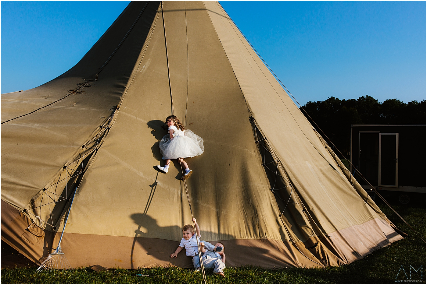 Wedding photography at New Hill Farm and Stud, Manchester