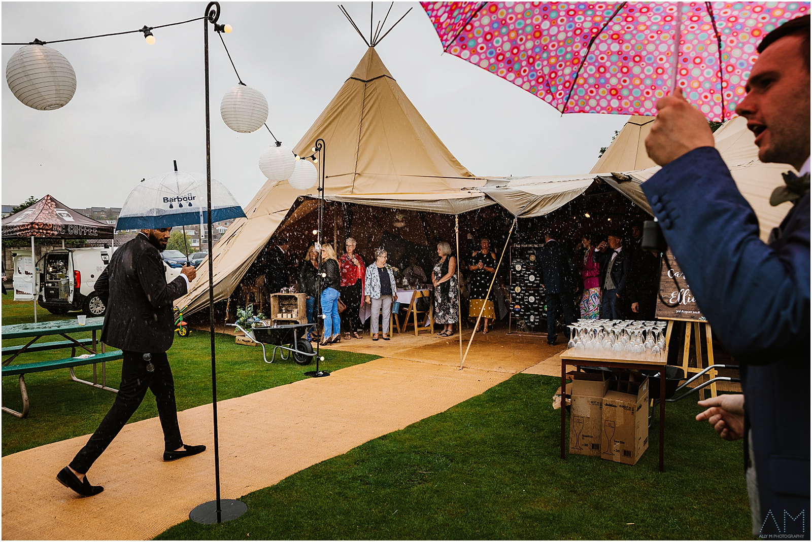 Rainy teepee wedding
