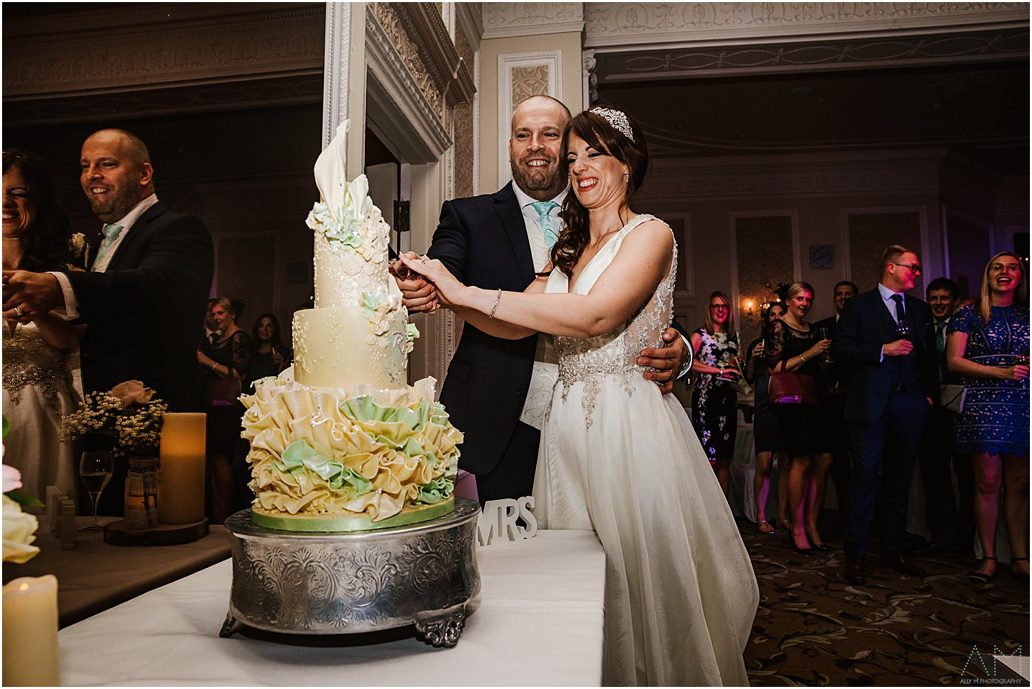 Cake cutting at Midland Hotel