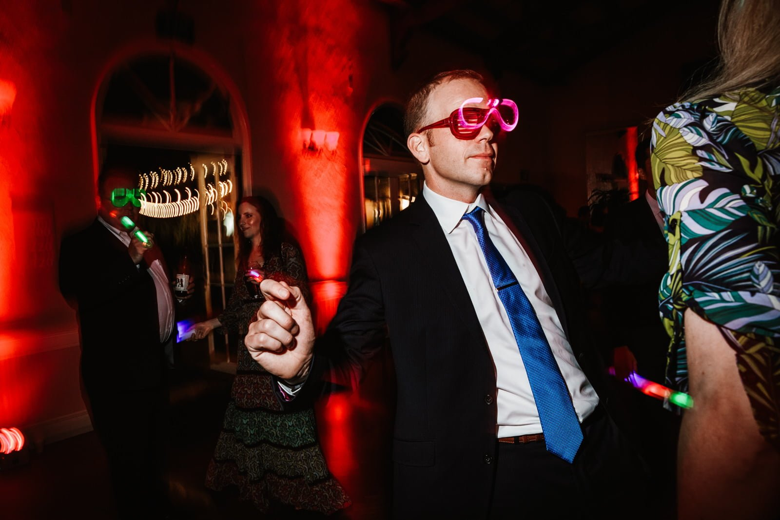 Dancing with glow glasses